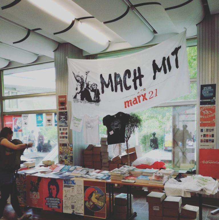 Dziewuchy dziewuchom Berlin na konferencji Marx is' Muss