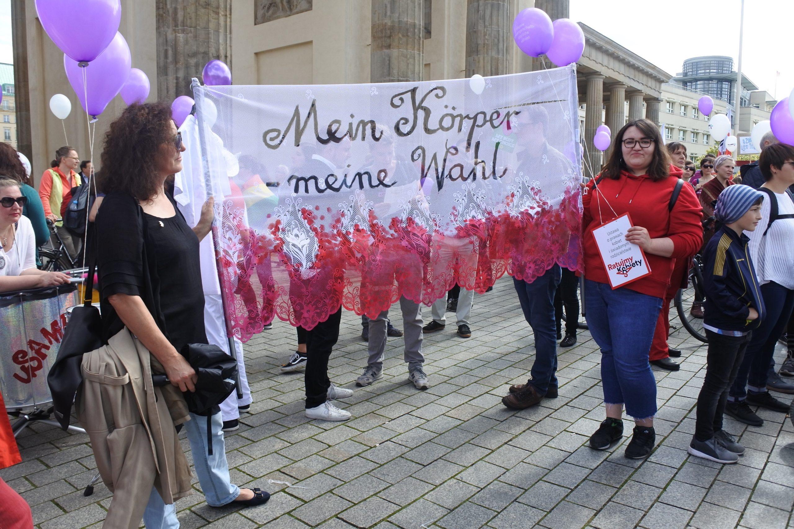 Dziewuchy Dziewuchom na demonstracjach 16.09.2017