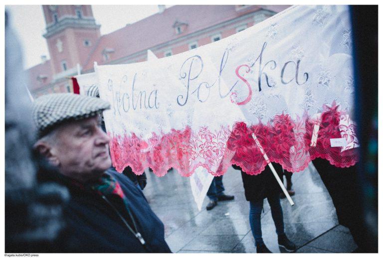 Dziewuchy Berlin @ March of 100 Flags in Warsaw