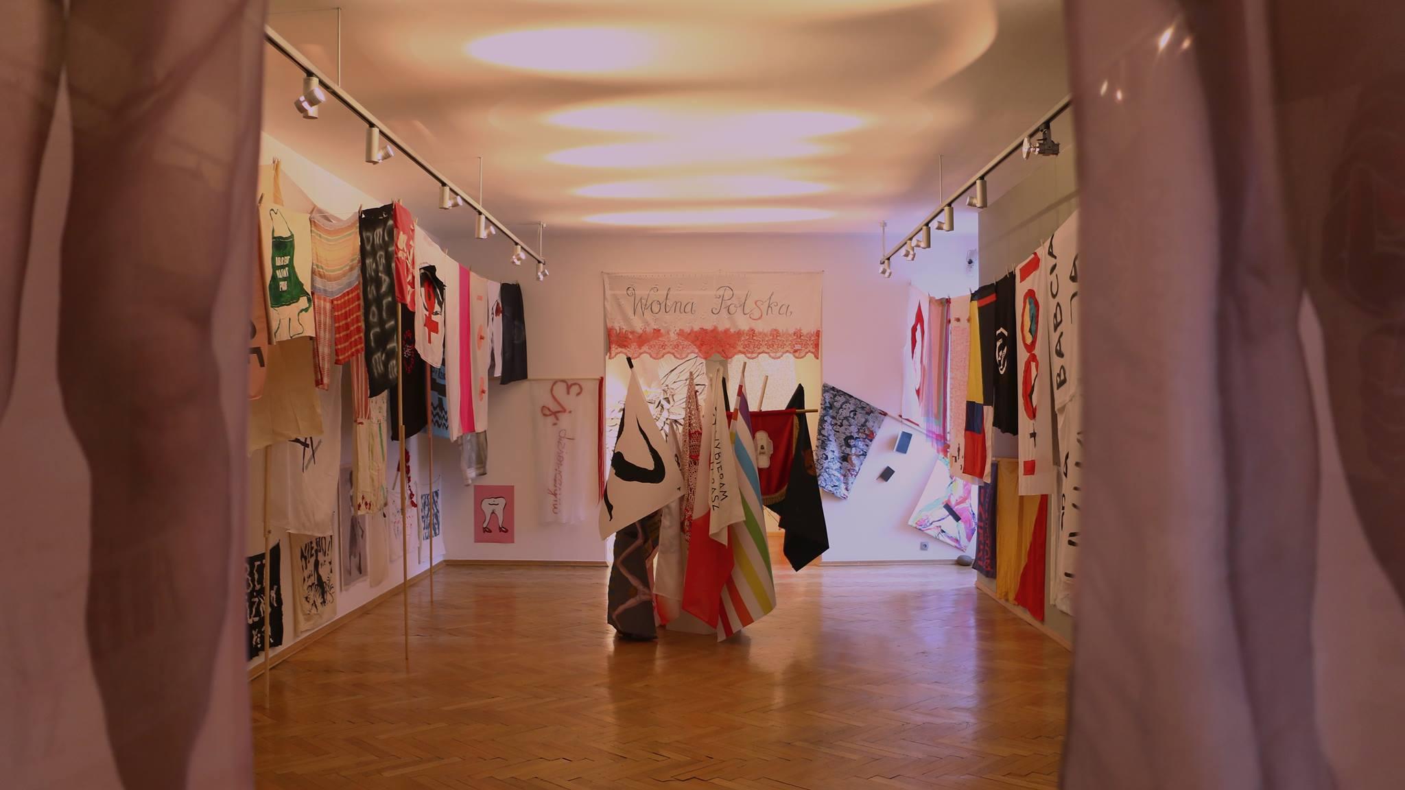 Dziewuchy Berlin @ Exhibition of 100 Flags in Warsaw